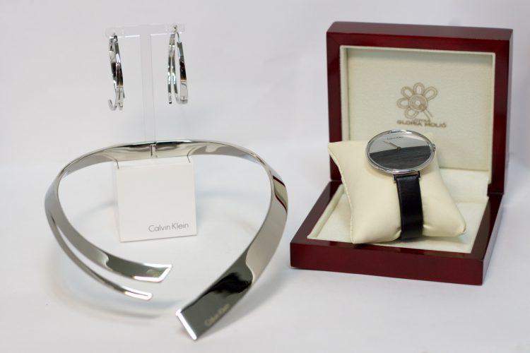Pendientes, collar y reloj para señora